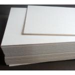 Картон пивной, белая поверхность, 70х100 см, толщина 1,55мм.
